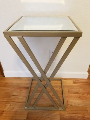 Small Mirror Side Table for Sale in Bellevue, WA