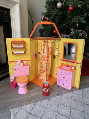 American Girl Doll Pretend Play Bathroom / Sink Vanity and accessories Set - Julie's Groovy Bathroom for Sale in Fullerton, CA