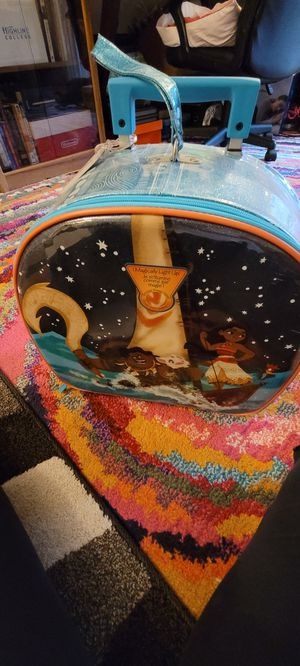 Moana girls suit case for Sale in Federal Way, WA