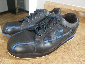 Storm bowling shoe new right handed bowler for Sale in Denver, CO