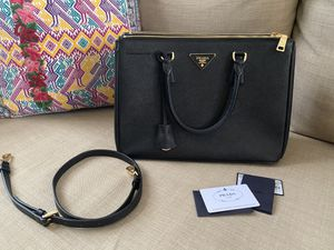 Prada authentic Saffiano Lux for Sale in Las Vegas, NV