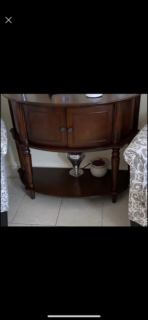 console table excellent condition like new for Sale in Philadelphia, PA