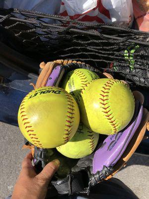 Softball gloves for Sale in Las Vegas, NV