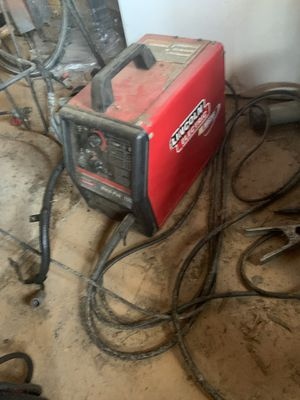 Linconl 100 The machine is working but the wire feeder motor isn't feeding the wire for Sale in Vidor, TX