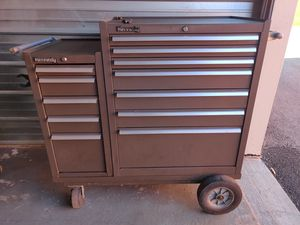 KENNEDY HEAVY DUTY BALL BEARING TOOL BOX WITH KEYS for Sale in Palatine, IL