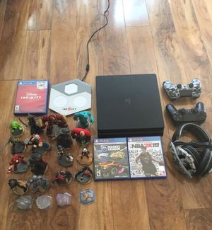 PS4 Bundle for Sale in Antelope, CA