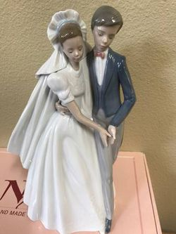 """NAO BY LLADRO """"UNFORGETTABLE DANCE"""" FIGURINE #1247 (New) for Sale in Vancouver,  WA"""
