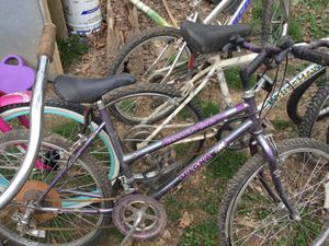 Six women's bicycles incl.1 Huffy. The rest are 10 or 15 speeds. for Sale in Knoxville, TN