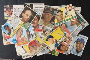40 Different 1950s and 1960s Baseball Cards for Sale in Placentia, CA