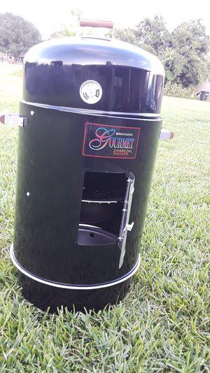Brinkmann charcoal smoker for Sale in Red Oak, TX