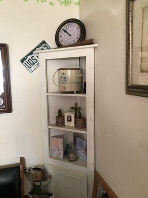 White corner shelf for Sale in Columbus, OH