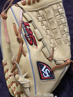 Left-Handed Throw Louisville Slugger 125 Series Baseball Glove for Sale in Hacienda Heights,  CA