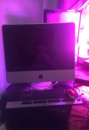 MacBook in perfect cond and mouse included for Sale in Bakersfield, CA