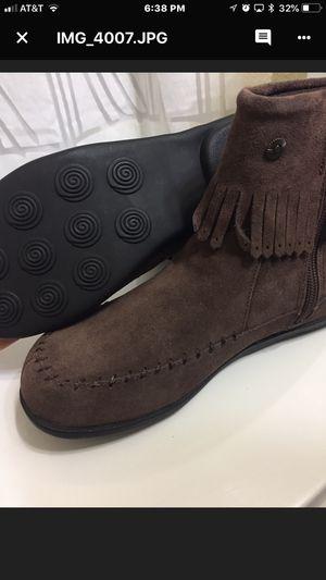 Eddie Bauer brown suede boots for Sale in Austin, TX