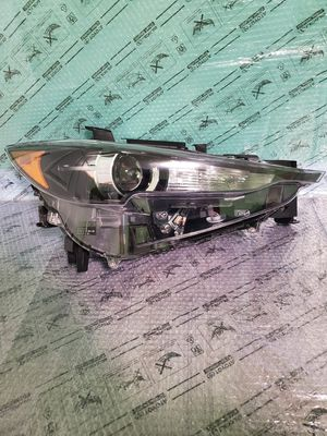 2017 2018 MAZDA CX-5 Front Right side Passenger Headlight Headlamp OEM Part # K124 51030 for Sale in Waukegan, IL