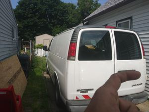 2002 chevy express 1500. Needs a head gasket. for Sale in Cleveland, OH