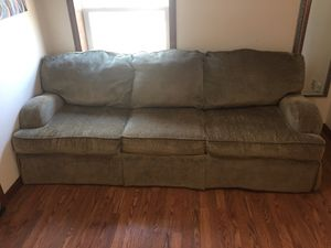 Couch for free for Sale in Lancaster, OH
