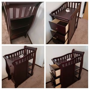 Changing table dresser for Sale in Elgin, IL