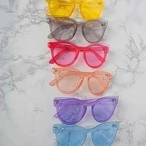 Hot gur summer 2020 retro 90's style sunglasses for Sale in North County, MO