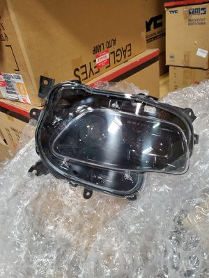 2014-17 Jeep Cherokee right side headlight xenon for Sale in San Diego, CA