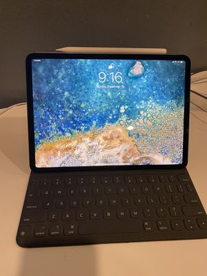 """iPad Pro 11"""" 256gb with LTE. Includes Apple Pencil and Apple Smart Keyboard for Sale in Santa Ana, CA"""