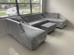 Sectional couch sofa for Sale in Doral, FL