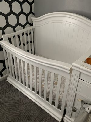 Crib with changing table and mattress for Sale in Allen Park, MI