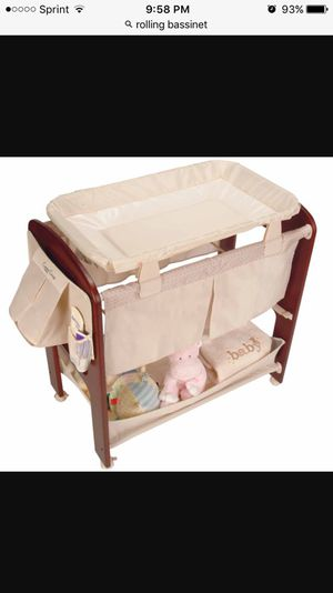 Great rolling bassinet for Sale in Orlando, FL