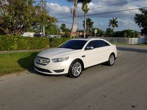 2014 FORD TAURUS for Sale in Coral Gables, FL
