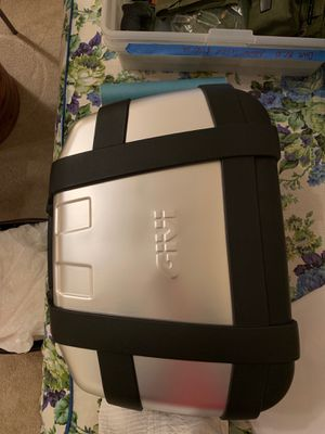 Givi motorcycle trunk for Sale in Plano, TX