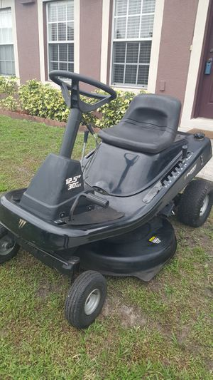 MURRAY RIDING LAWNMOWER for Sale in Poinciana, FL