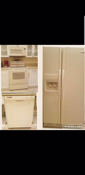 Kitchen appliances set of 4 for Sale in LXHTCHEE GRVS, FL
