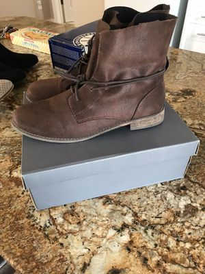 Women's size 8.5 brown boots for Sale in Laveen Village, AZ
