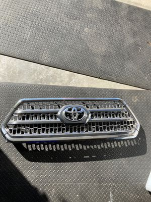 3rd gen toyota Tacoma 2016-2020 oem grill for Sale in Moreno Valley, CA