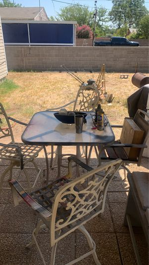 Outdoor table and chairs for Sale in Odessa, TX