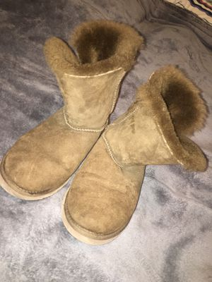 Uggs size 6 women's for Sale in Pittsburgh, PA