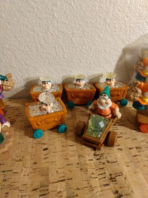 Snow white and the Seven Dwarfs VTG Figurine toy s LOT for Sale in Riverside, CA