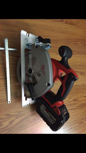 Milwaukee Circular saw& 12.0 battery for Sale in Portland, OR