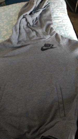 Nike sweater for Sale in Pomona, CA