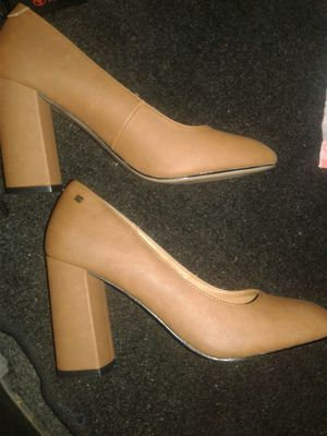 New Kenneth Cole Reaction heels size 8 Comfortable and wide great on your feet for Sale in Los Angeles, CA