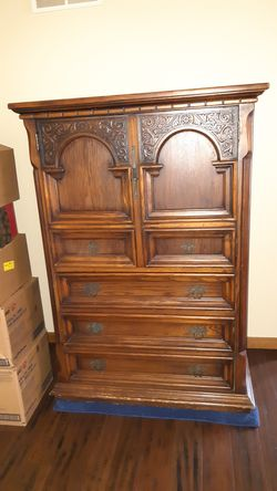 Antique armoire for Sale in North Ridgeville,  OH