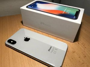 iPhone X Silver 256GB - unlocked for any carrier for Sale in Providence, RI