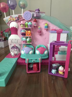 Shopkins Sets- 5 full sets and more!!see pictures for Sale in HALNDLE BCH, FL