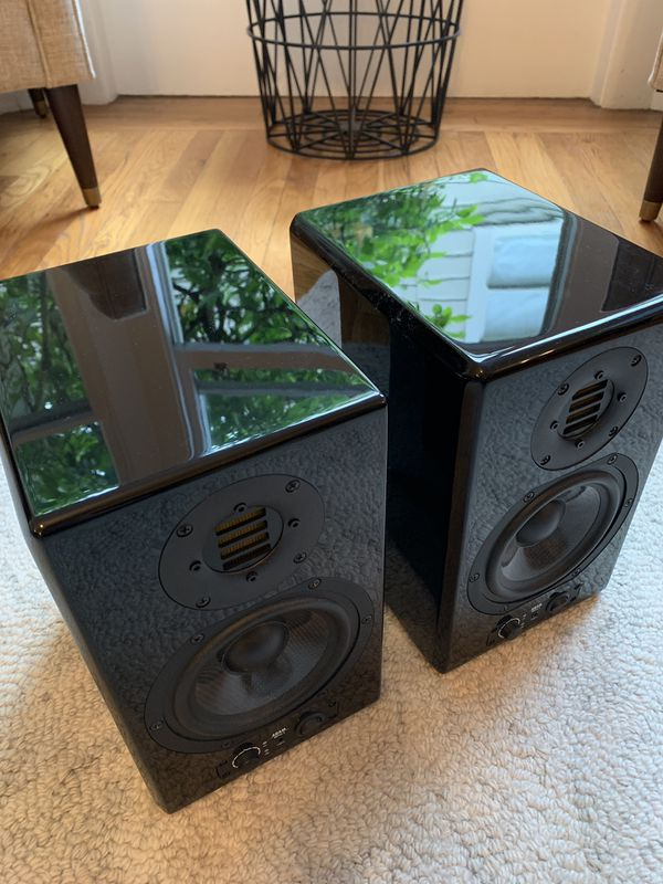 Adam Artist 5 speakers - 50% off!