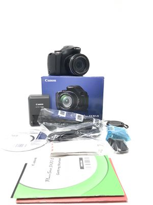 CANON SX30 IS 14 Megapixel Zoom Digital Pro Camera for Sale in Woodhaven, MI