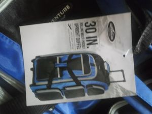 DUFFLE BAG ON WHEELS for Sale in Ashville, OH