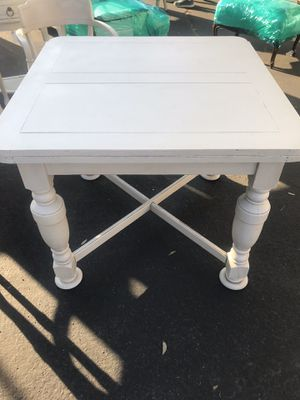 Dining table for Sale in Burbank, CA