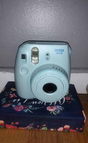 Instax mini 8 Polaroid camera for Sale in Staten Island, NY