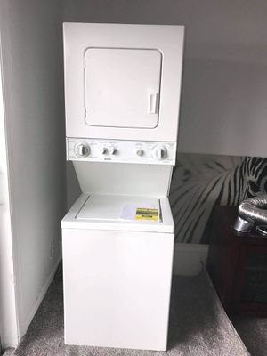 24 inch electric stackable washer and dryer for Sale in NEW PRT RCHY, FL