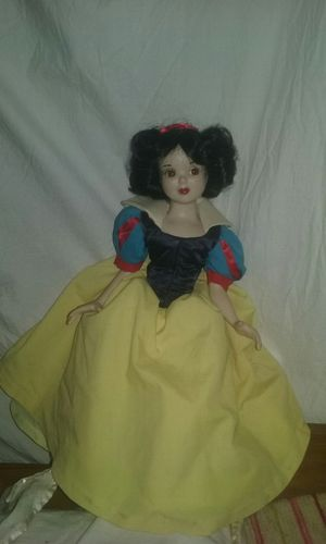 Snow White collectible antique from Walt Disney Store 150 or best offer for Sale in Canandaigua, NY
